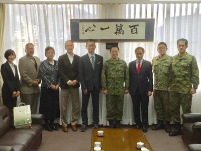 海上自衛隊呉地方総監部防衛部と、陸上自衛隊第十三旅団を訪問